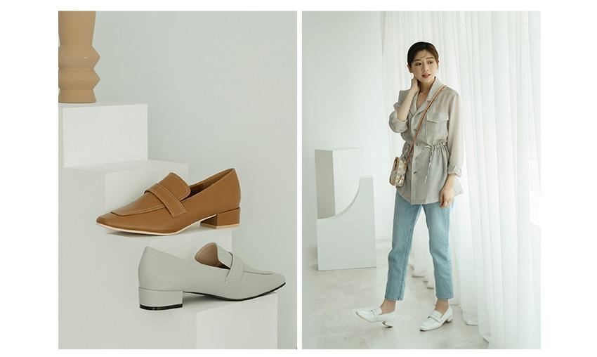 D+AF x 逸歡Clina聯名系列 經典素面軟皮低跟樂福鞋 包鞋