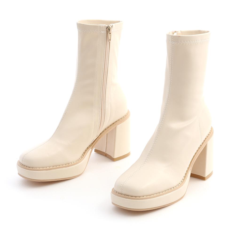 變身超模.加厚水台素面方頭短靴 香草米白