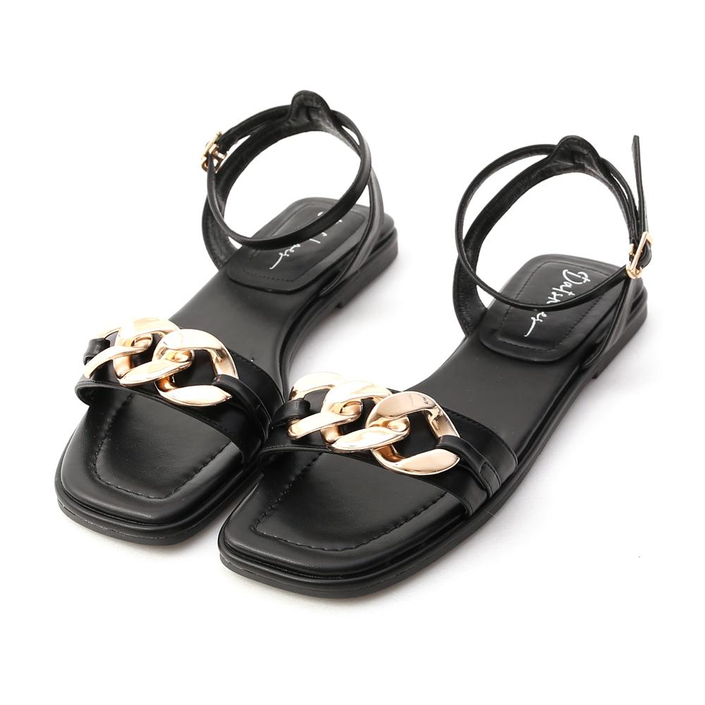 輕奢品味.金屬環釦一字平底涼鞋 時尚黑