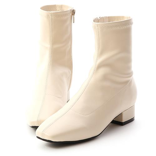人氣指標.素面車線方頭低跟襪靴