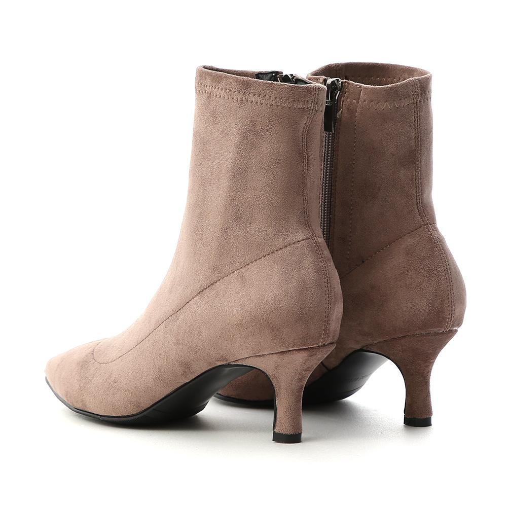 魅力獨創.素面合腿尖頭中跟襪靴 奶茶灰棕
