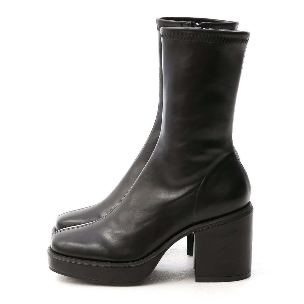 超模氣場.加厚水台素面方頭短靴 時尚黑