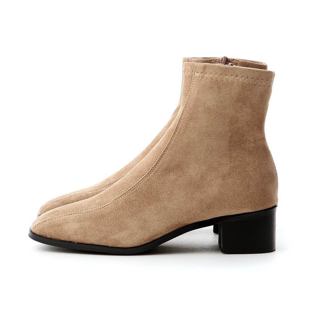 獨特宣言.雙摺線設計低跟襪靴 卡其棕