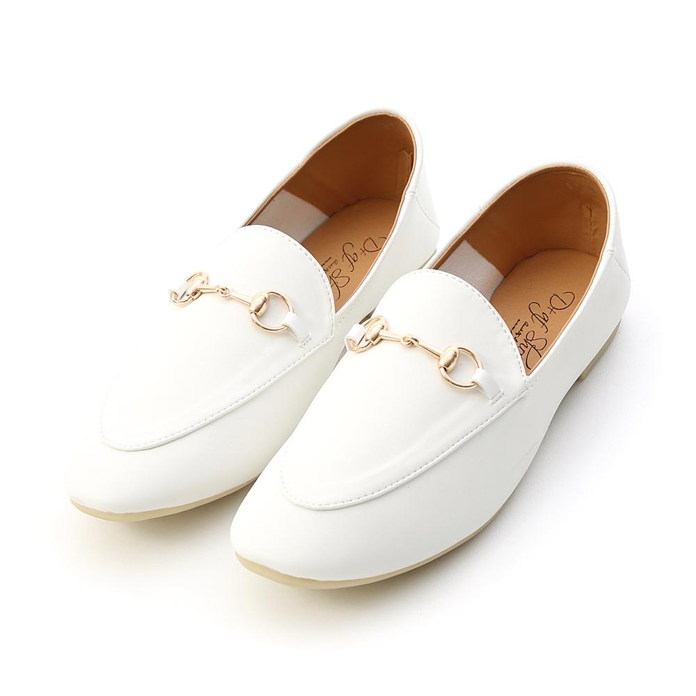 品味典藏.超軟底馬銜釦樂福鞋 人氣白