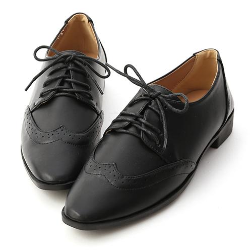 經典英倫.雕花綁帶尖頭牛津鞋