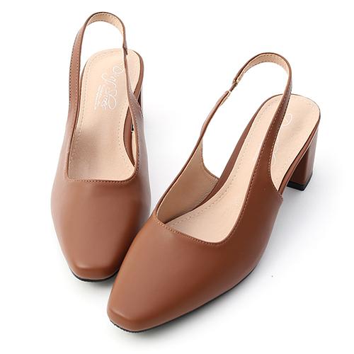 D+AF 人氣滿載.顯瘦感絨料中跟膝上長靴
