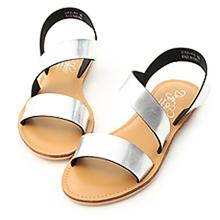 D+AF  漫步夏日.寬版斜帶設計平底涼鞋