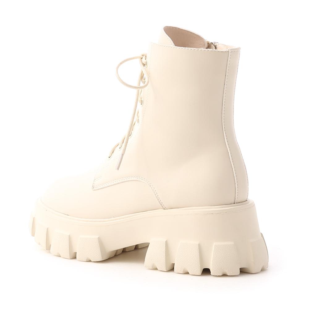 酷甜主張.超輕量綁帶鋸齒短靴 香草米