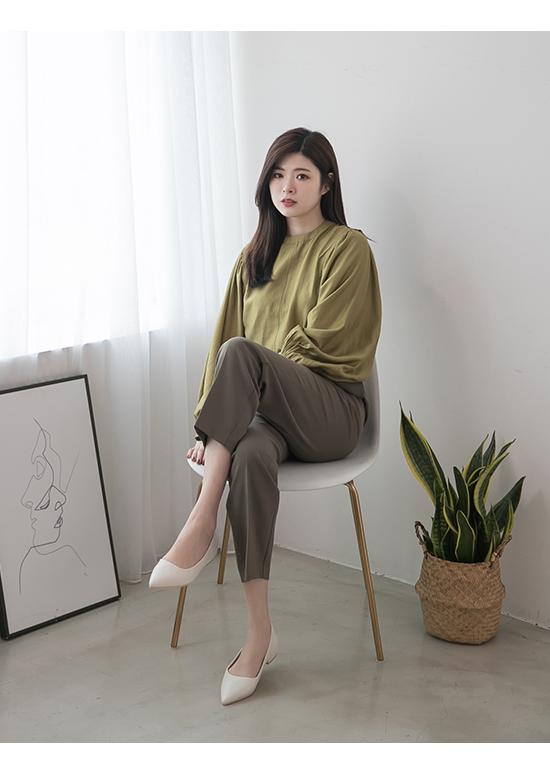 典雅氛圍.韓風素面低跟尖頭鞋 人氣白