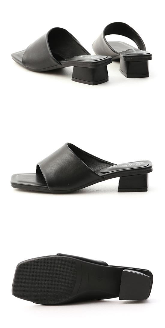 愜意寬版.斜切設計方頭低跟拖鞋 ブラック