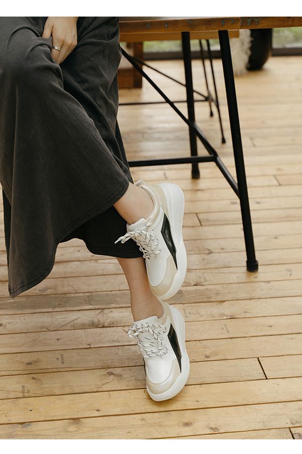 繽紛休閒.撞色拼接增高運動鞋 米x黑