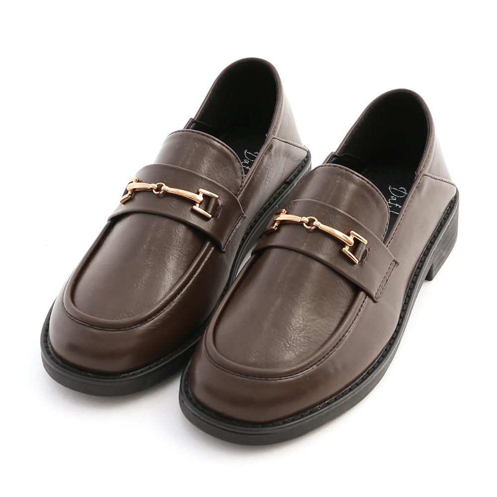 經典率性.馬銜釦圓頭樂福鞋 復古咖
