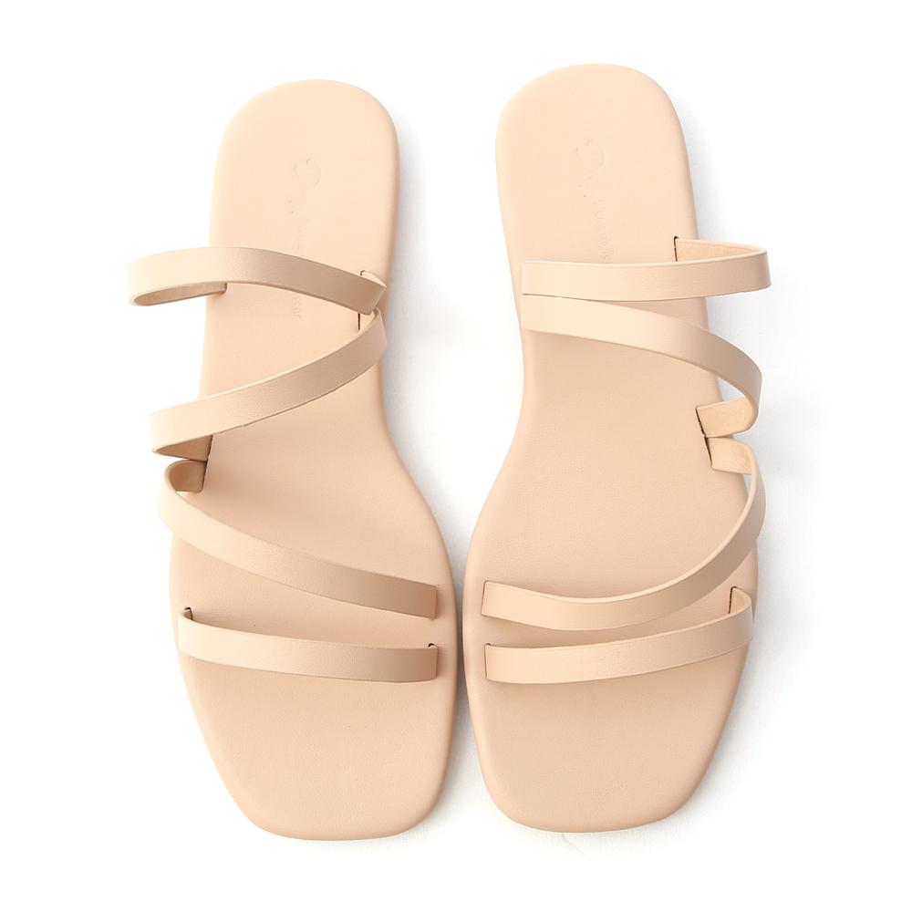 夏日步調.四條細帶方頭平底拖鞋 裸膚杏
