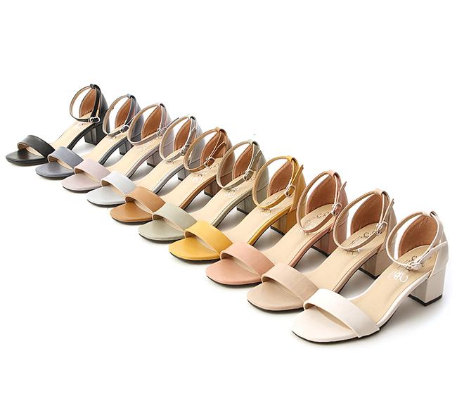 MIT Square Toe Ankle Strap Mid Heel Sandals Black