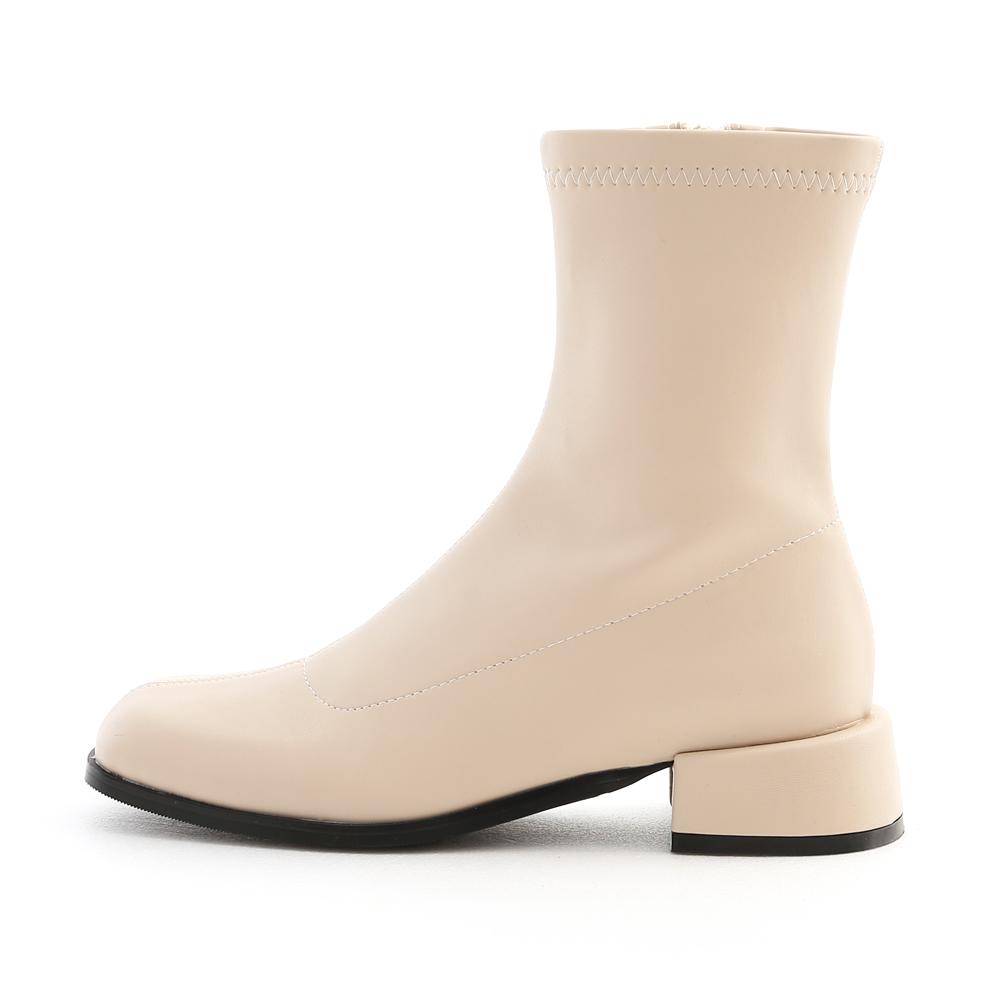 夢想世代.素面圓方頭積木跟襪靴 香草米