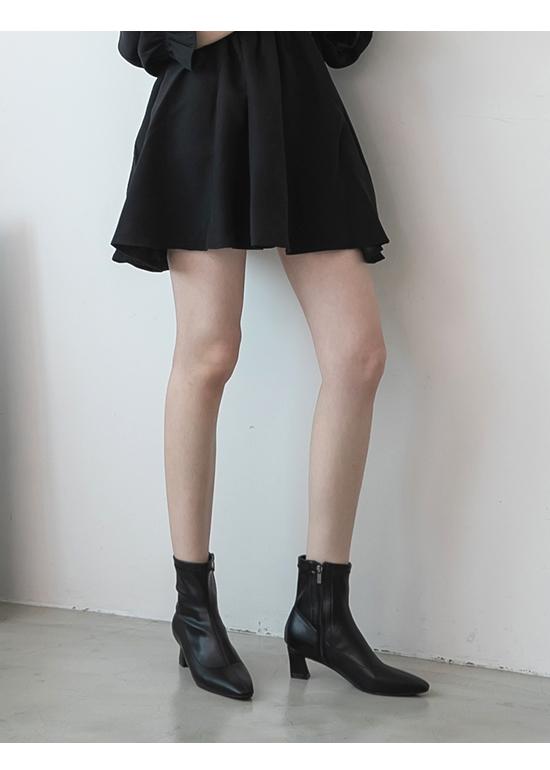 ポインテッドトゥミッドヒールブーツ ブラック