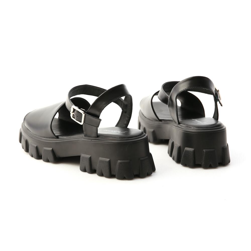 Wide Strap Zig-zag Sole Sandals Black